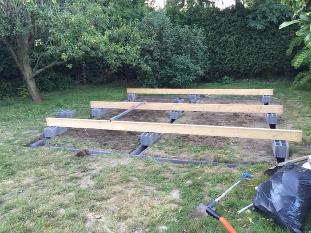 Fondation abri de jardin 20m divers bricolage et travaux - Parpaing de chainage ...