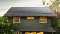 Les panneaux solaires (discrets) de Tesla
