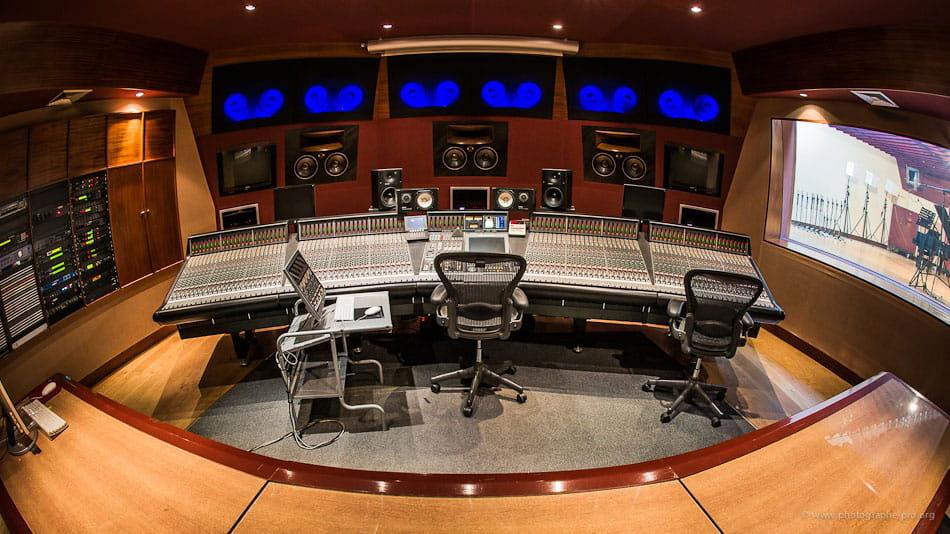 Recherche site pour mat riels studio d 39 enregistrement pro - Table de mixage studio d enregistrement ...