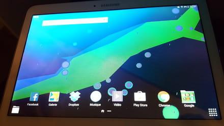 bug galaxy tab 4 ecran qui gr sille batterie qui se d charge r solu. Black Bedroom Furniture Sets. Home Design Ideas