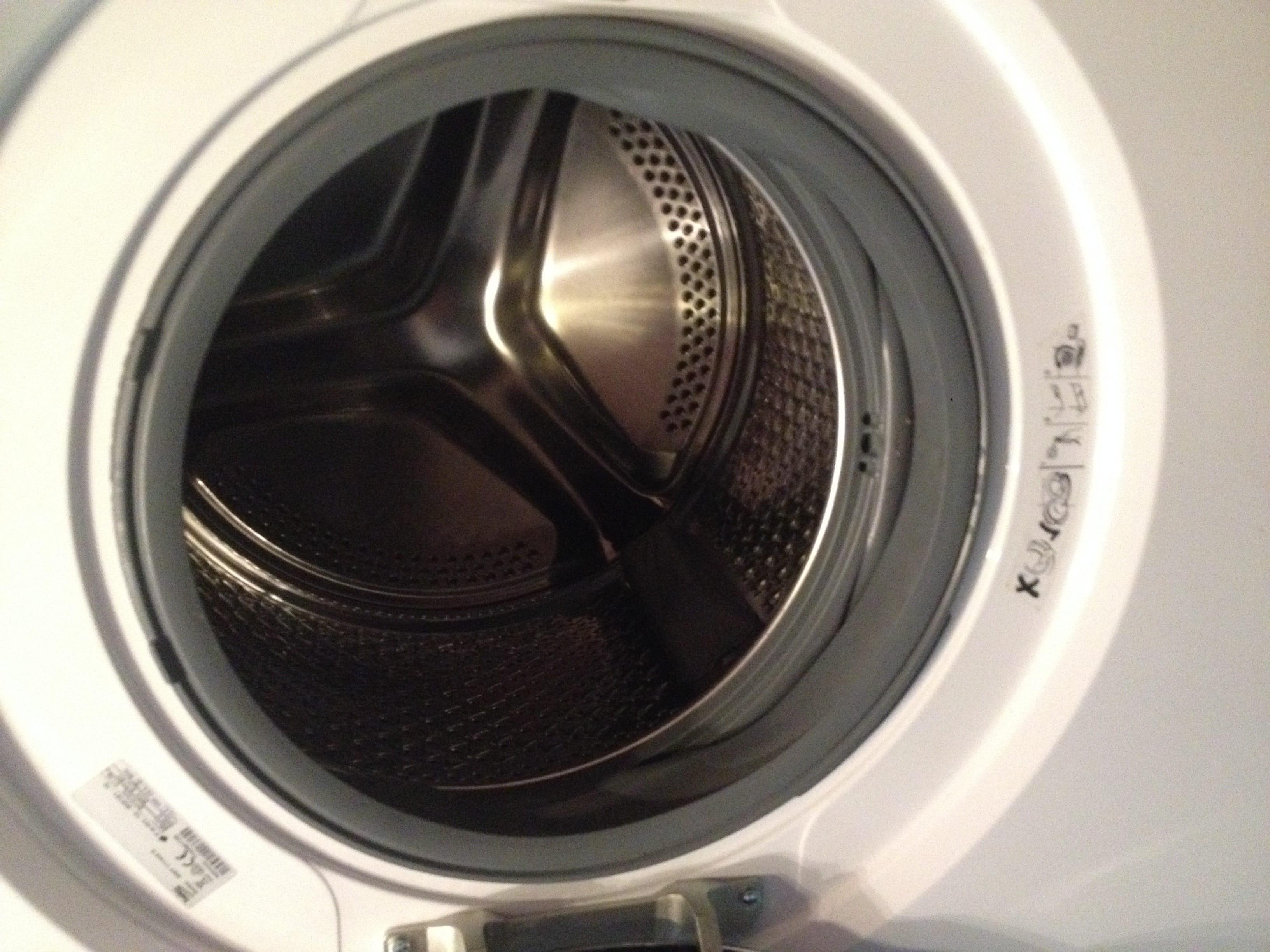 probleme lave linge saute bouge dans tout les sens. Black Bedroom Furniture Sets. Home Design Ideas