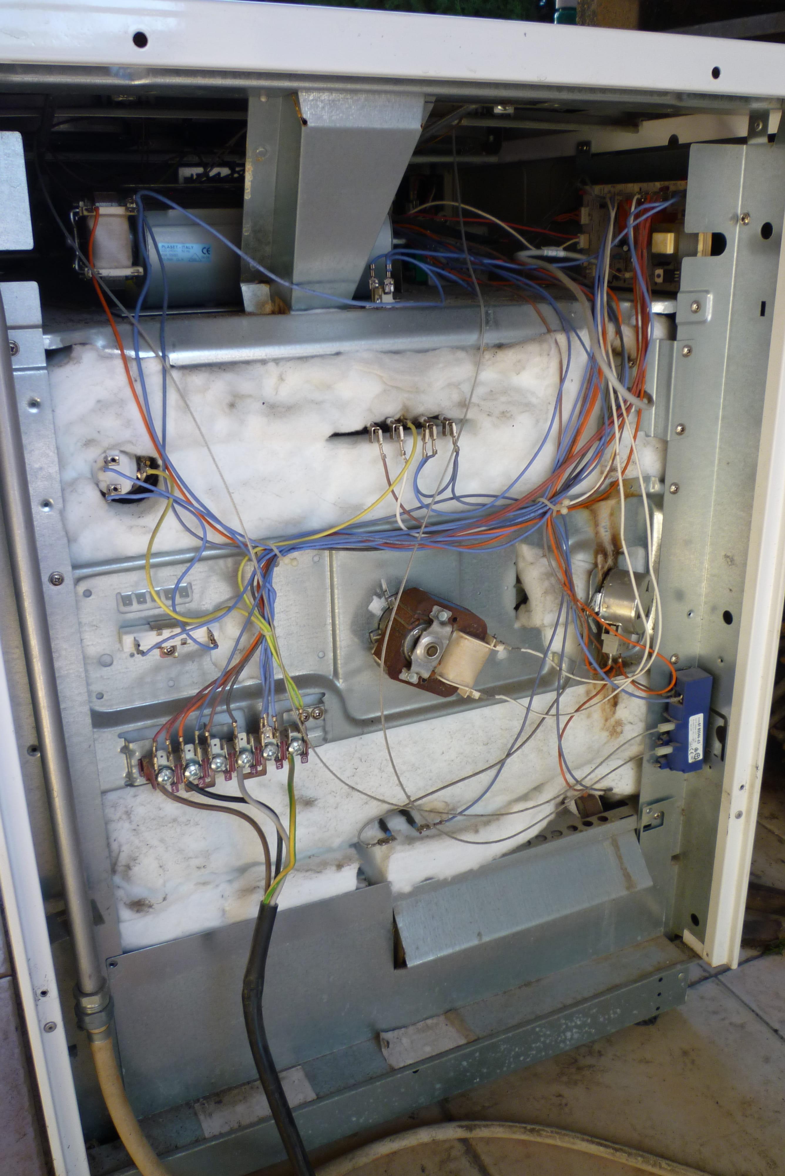 Demonter Plaque De Cuisson Electrique comment démonter la façade d'une cuisinière arthur martin