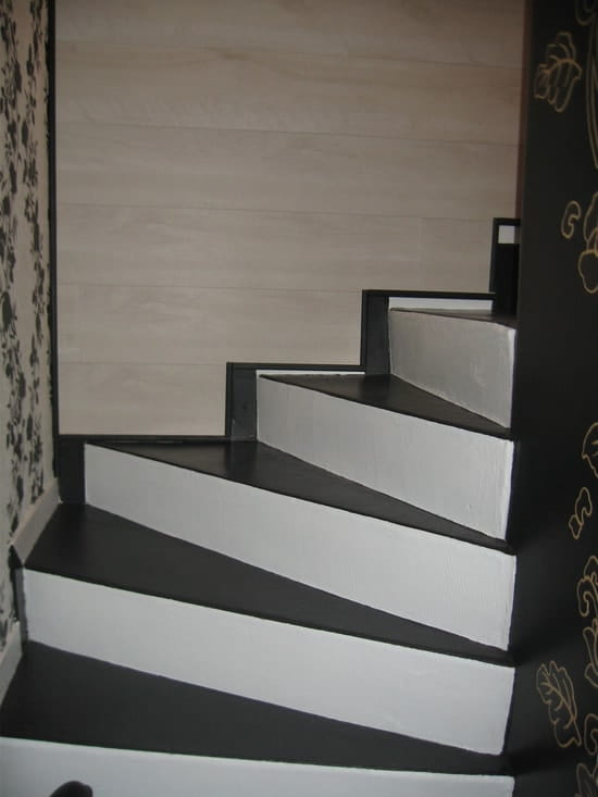 j 39 ai un escalier b ton et je cherche un moyen facile pour l 39 habiller en vitant. Black Bedroom Furniture Sets. Home Design Ideas