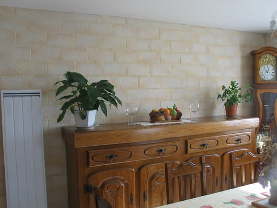 mur en parement pierre r solu. Black Bedroom Furniture Sets. Home Design Ideas