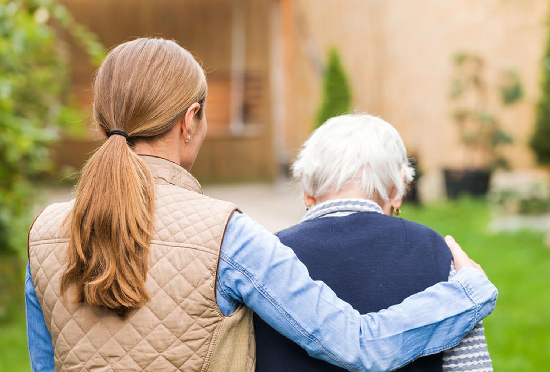 Maltraitance des personnes âgées: alerte et sanctions