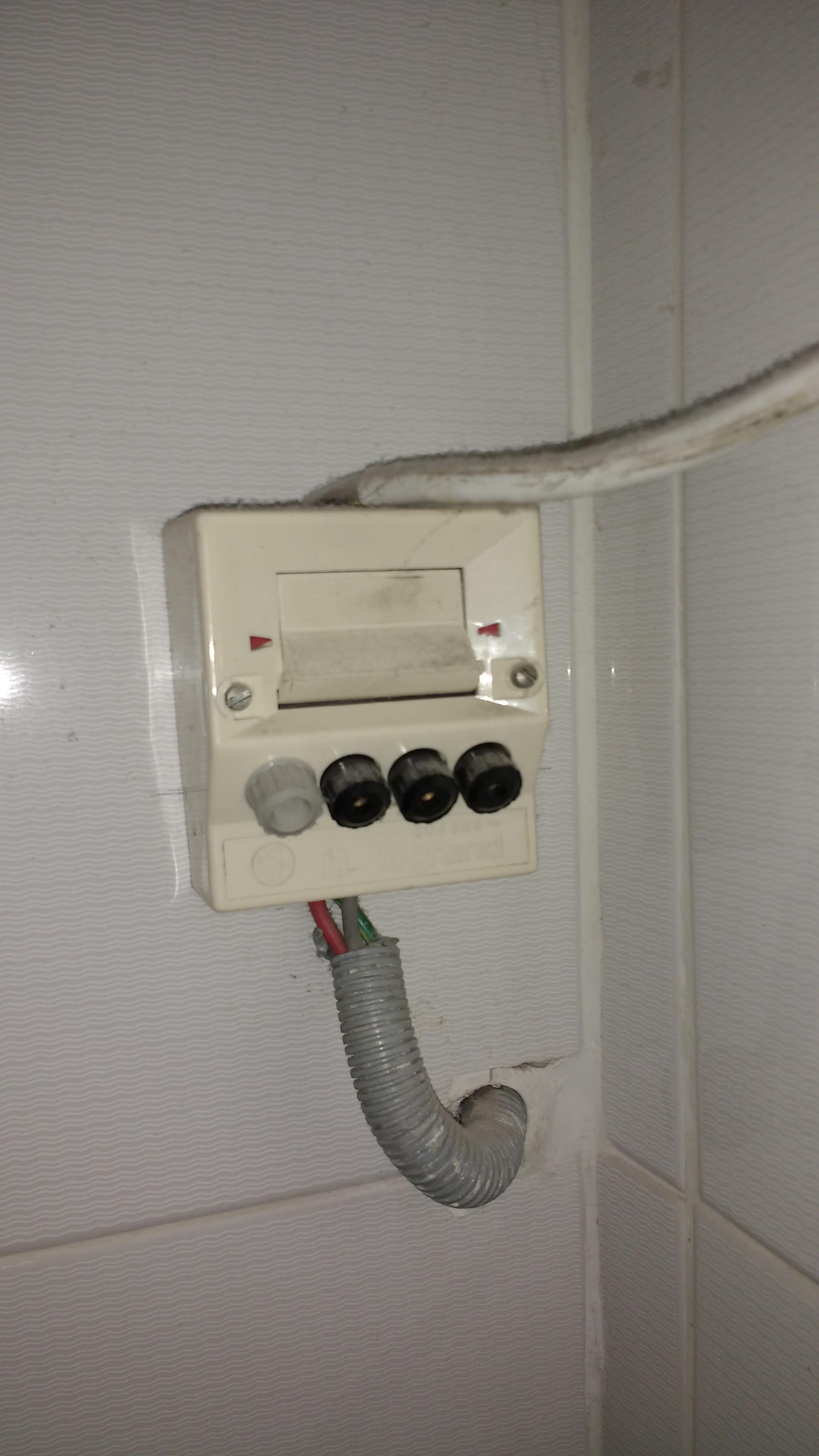 Branchement électrique pour chauffe-eau