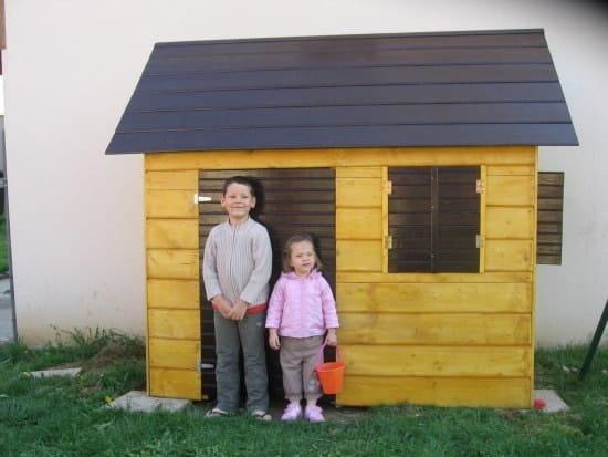 Comment construire une maisonnette de jardin pour des enfants en b - Construire une cabane de jardin ...