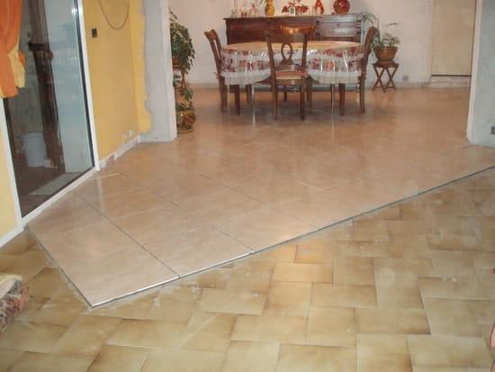 je voudrais mettre de la dalle de sol sur de la dalle de sol comment faire outillage. Black Bedroom Furniture Sets. Home Design Ideas