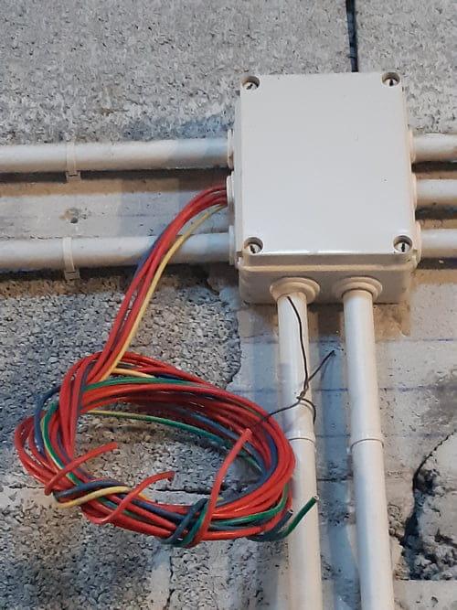 Branchement Plaque Induction Et Four Sur 380 Electricite Linternaute Com