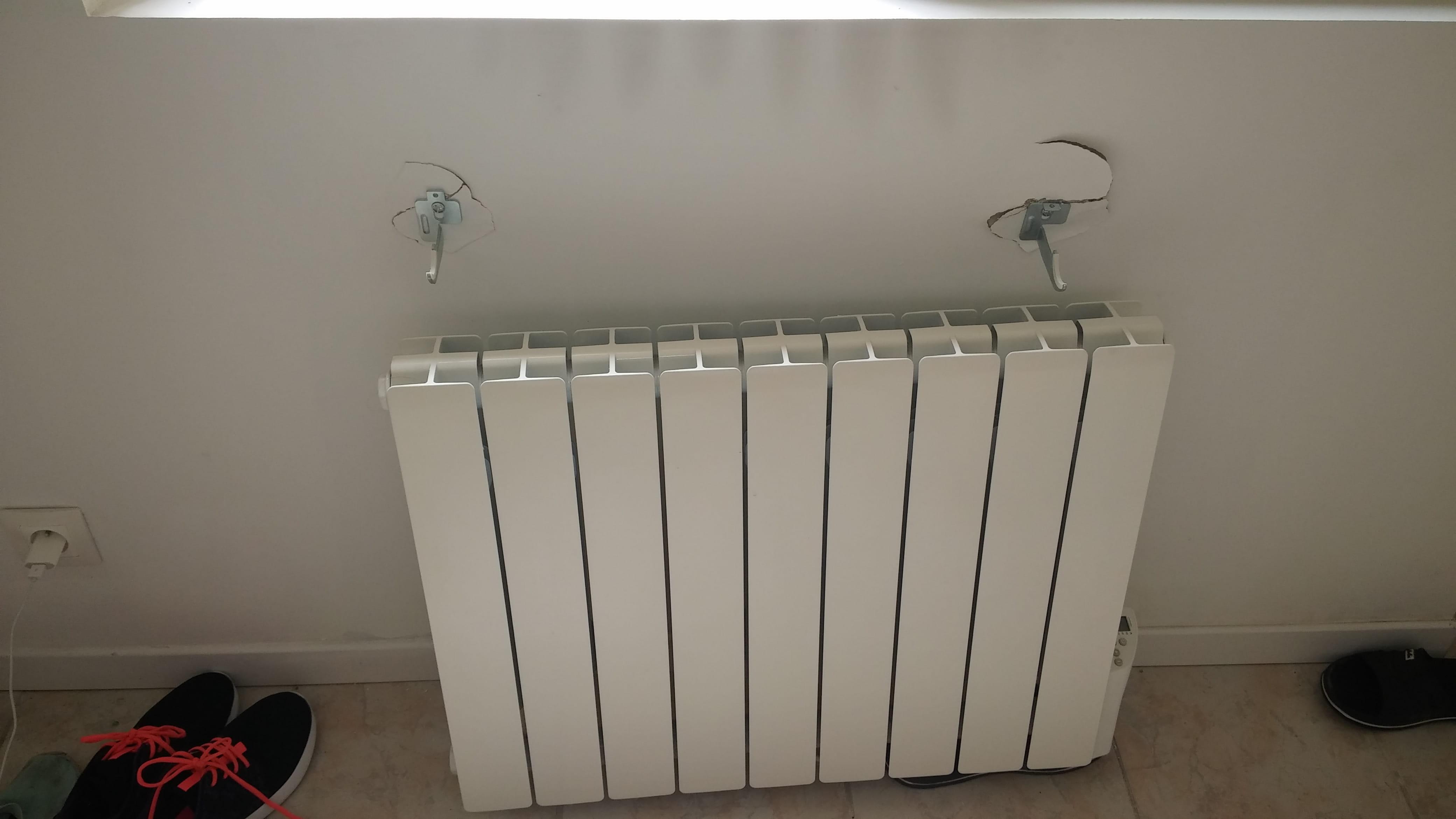 Remettre Les Fixations D Un Radiateur Sur Un Mur En Placo