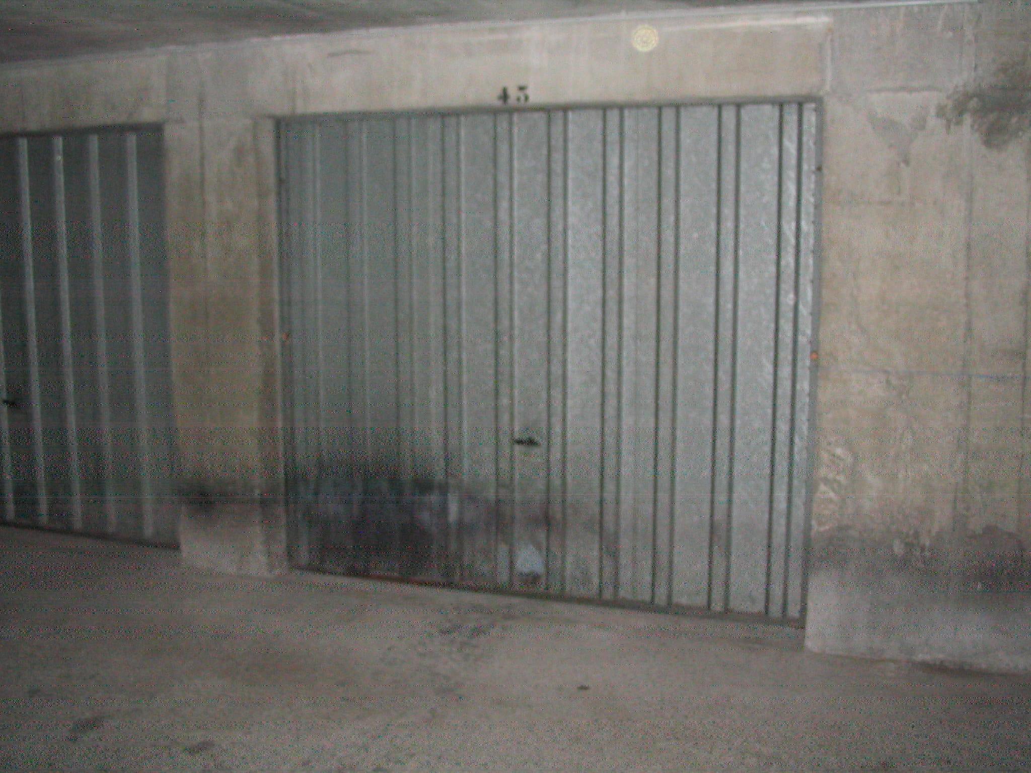 serrure ancienne porte de garage basculante cass e r solu. Black Bedroom Furniture Sets. Home Design Ideas