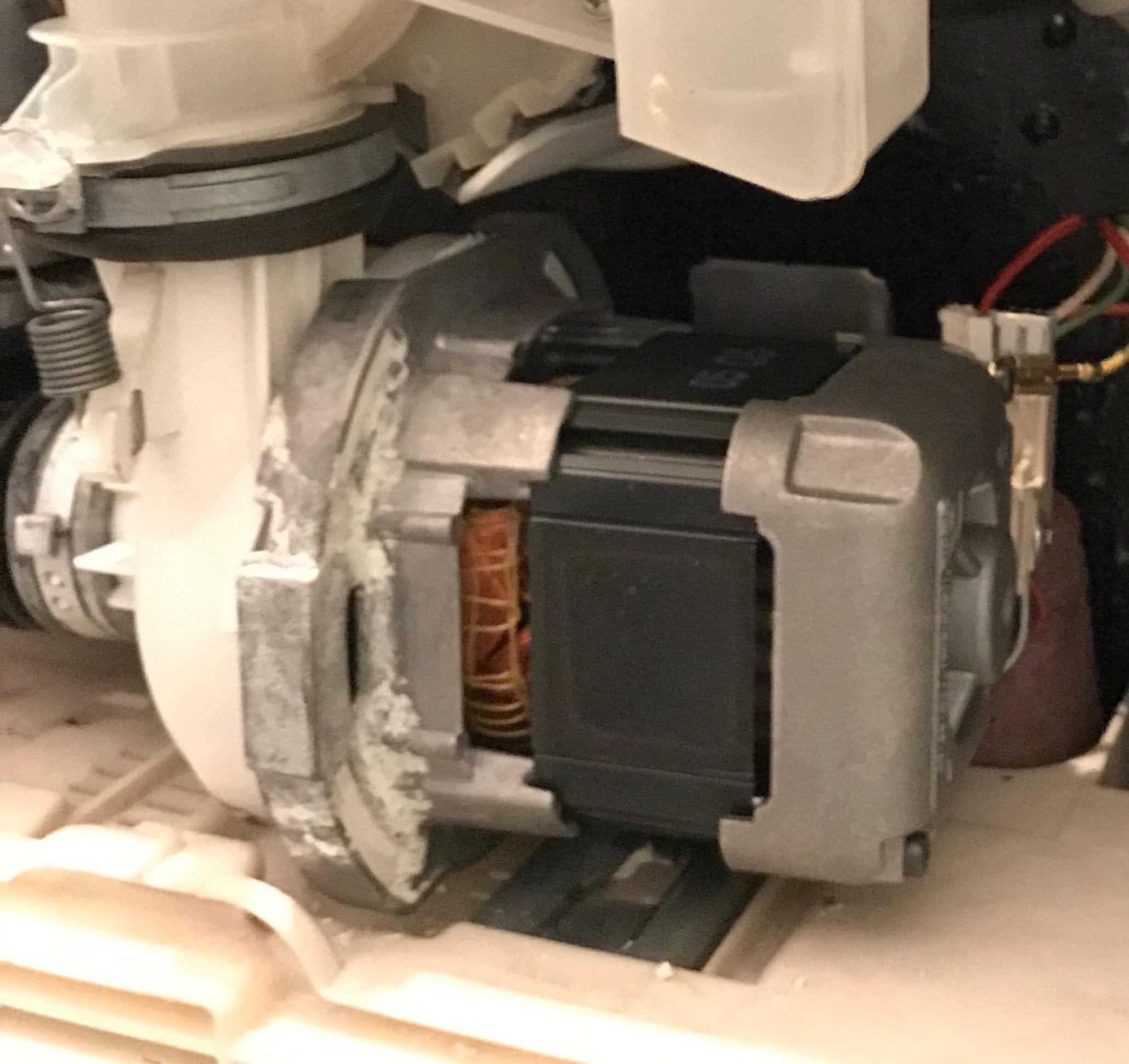 nouveaux styles 52adf bcd03 La vaisselle Brandt AX445/A ne lave plus. - Electroménager