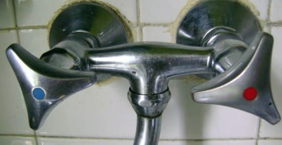 comment d monter le croisillon d 39 un robinet. Black Bedroom Furniture Sets. Home Design Ideas