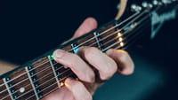 Des LEDS pour apprendre la guitare