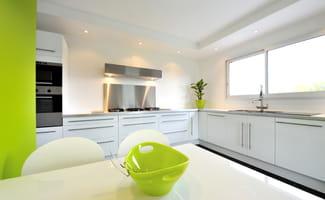 mobilier et location meubl e meubles obligatoires. Black Bedroom Furniture Sets. Home Design Ideas