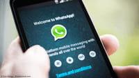 Siri lit vos messages WhatsApp