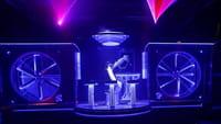 Un robot KUKA devient DJ