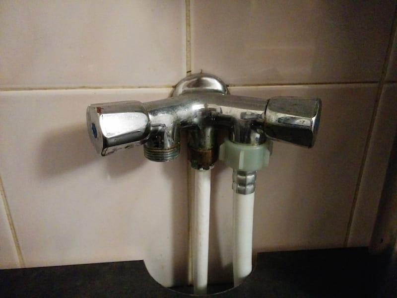 robinet d 39 arriv e d 39 eau non trouv mais compteur sur le pallier r solu. Black Bedroom Furniture Sets. Home Design Ideas