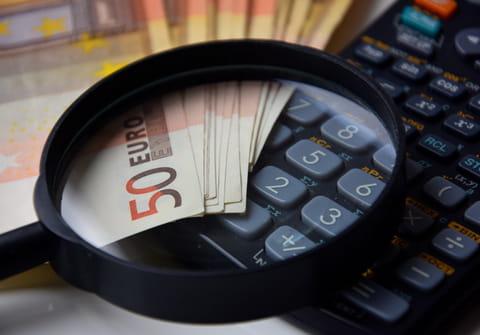 Reconnaître les numéros de téléphone surtaxés