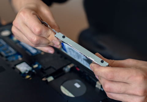Remplacer un disque dur par un SSD sur un PC