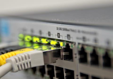 Résoudre les problèmes de configuration IP sur PC et Mac
