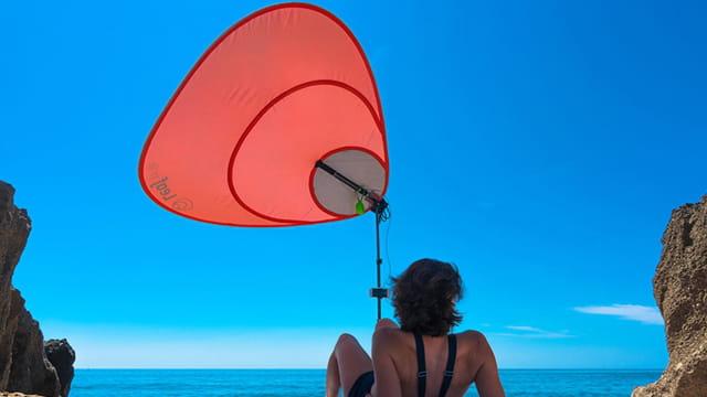 Ce parasol recharge les batteries