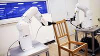 Ce robot monte des meubles Ikea