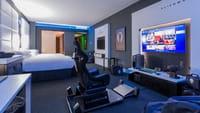 Une chambre d'hôtel spéciale gamers