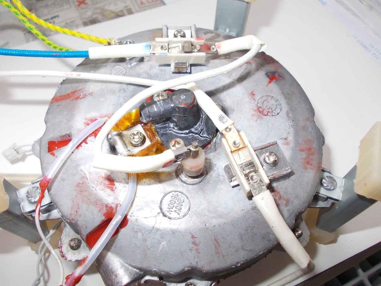fuite centrale vapeur quigg 2200 05 r solu forum electrom nager. Black Bedroom Furniture Sets. Home Design Ideas