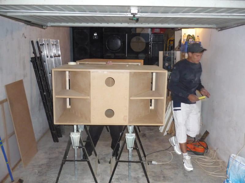 fabrication de caisson maison menbrane 32cm. Black Bedroom Furniture Sets. Home Design Ideas