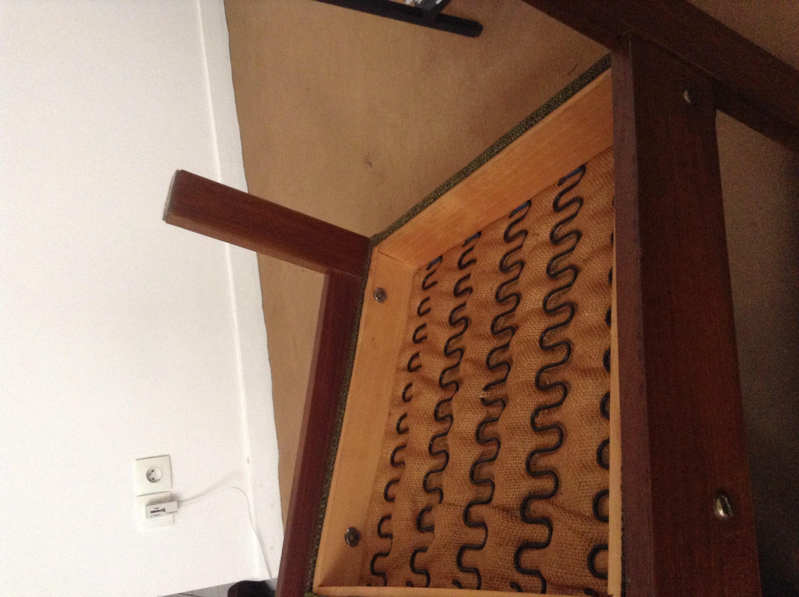 renforcement assise fauteuil. Black Bedroom Furniture Sets. Home Design Ideas