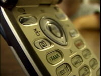 Scanner le code-barre d'un produit avec son téléphone portable pour comparer les prix